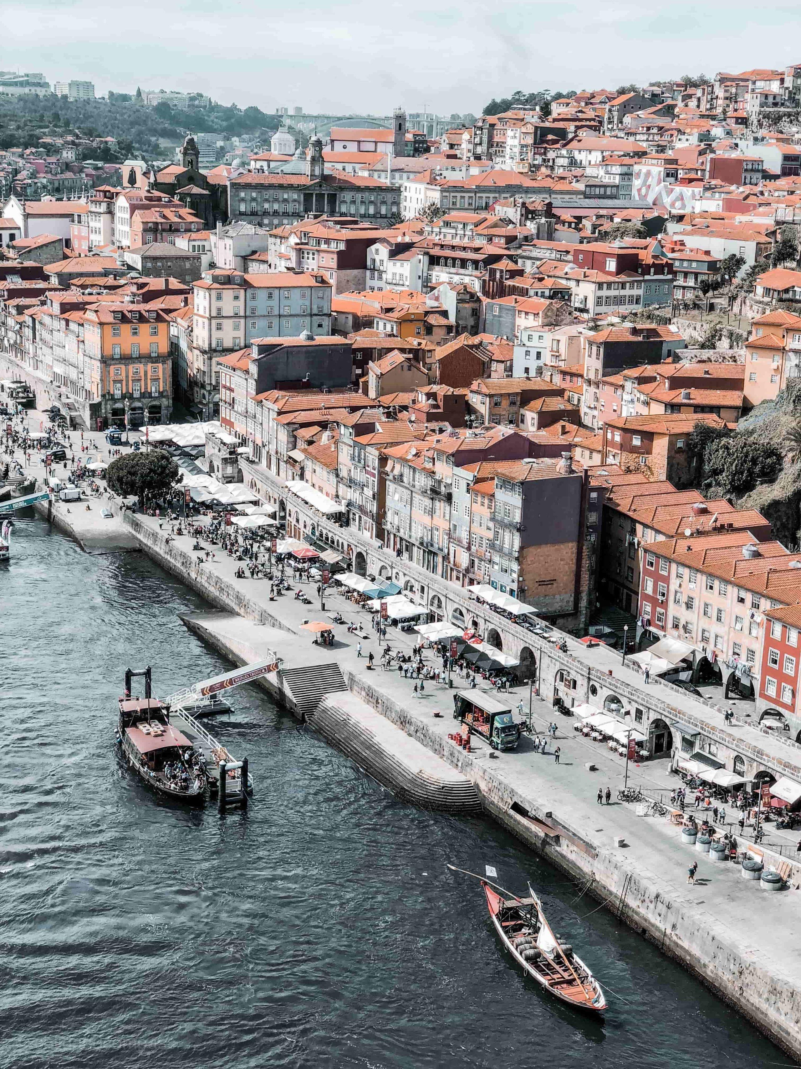 Städtereisen an Ostern, Tipps für Osterurlaub, Städtetrip an Ostern, Porto Ribeira, Altstadt, Douro Fluss