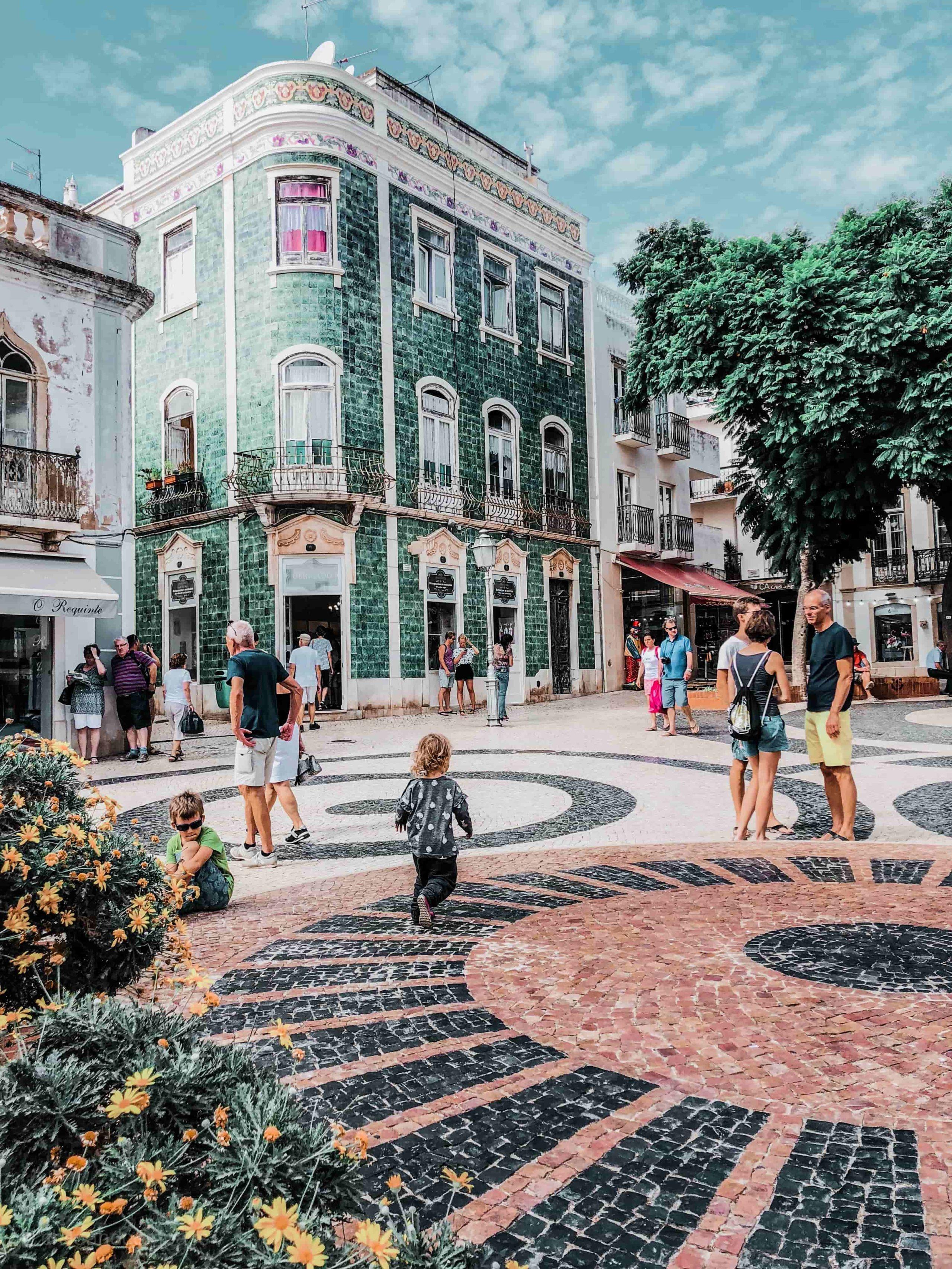 Städtereisen an Ostern, Tipps für Osterurlaub, Städtetrip an Ostern, Altstadt von Lagos an der portugiesischen Algarve